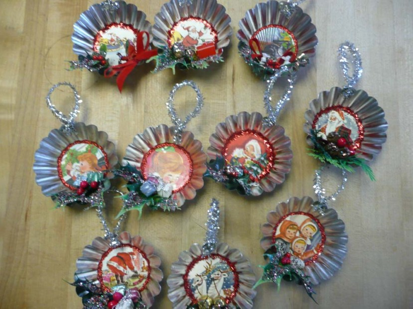 Cutie retro tart tin Christmas ornaments.