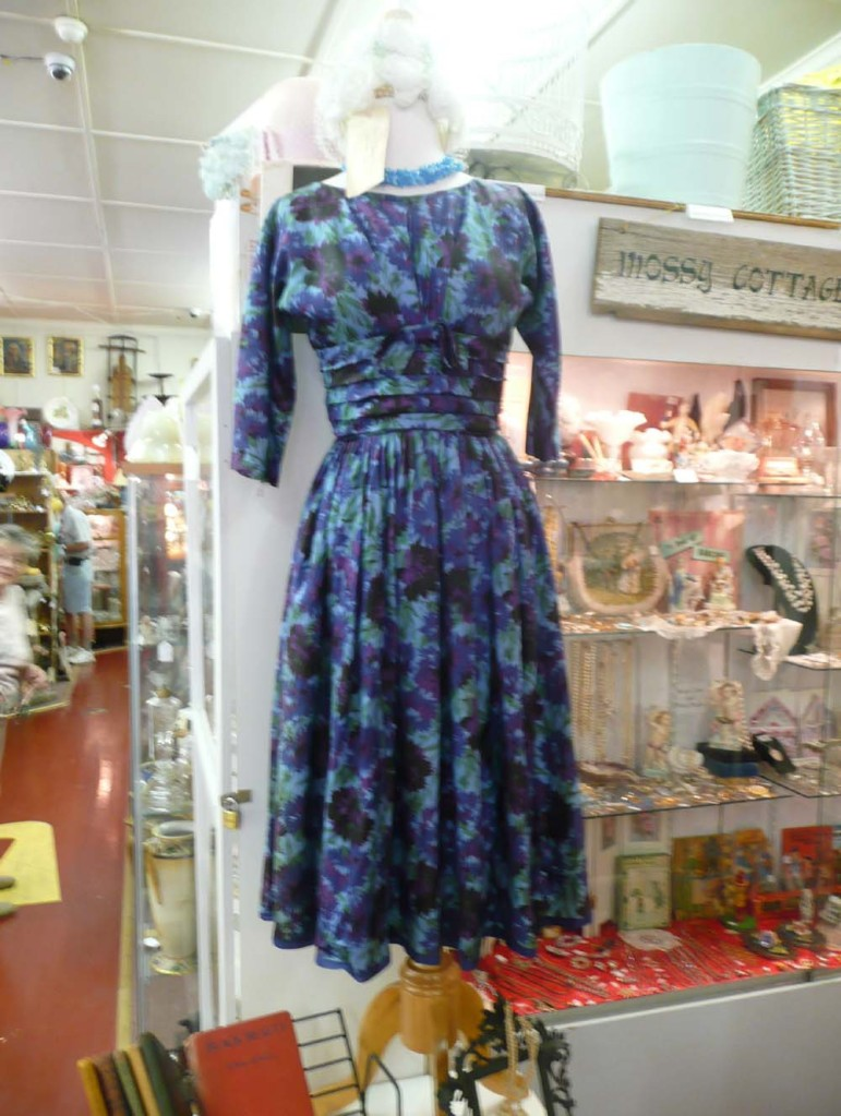 Pretty hand made dress from the 1950's.
