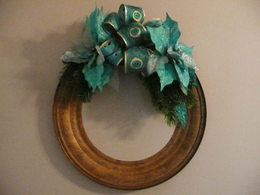 A wreath made from a metal ringy thing I found while out junking one day.